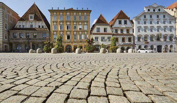 OÖ Landesausstellung 2021 Steyr Hauptplatz Foto ICONIC TURN Christian Stummer